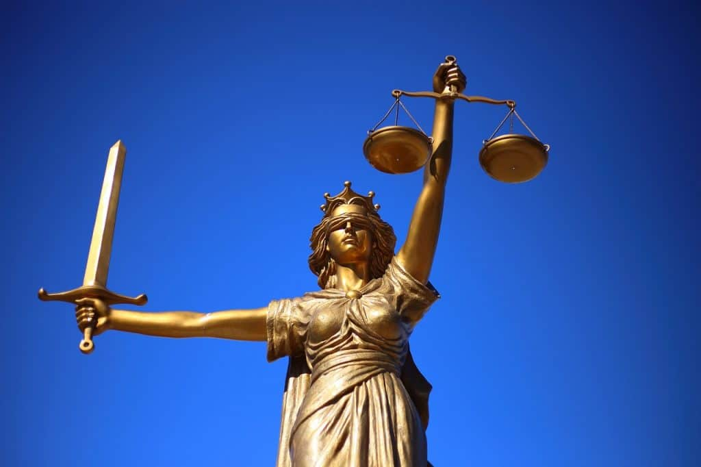 פסל צדק זהוב